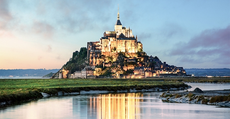 tte28_lind_shut_92438977_mont-saint-michel-at-sunset-france