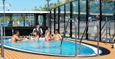 ttmo-july-cruise_ama_pr-pool113_ug2_53806