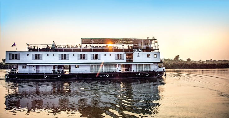 ttmo34_ga_india_ganges_riverboat__img1023