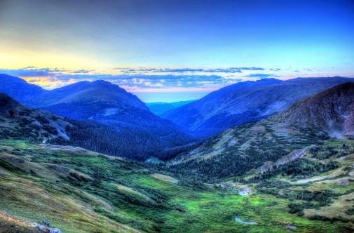 colorado-rocky-mountains-national-park-scenic-mountains
