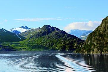 ncl_Alaska_GlacierBay_wake